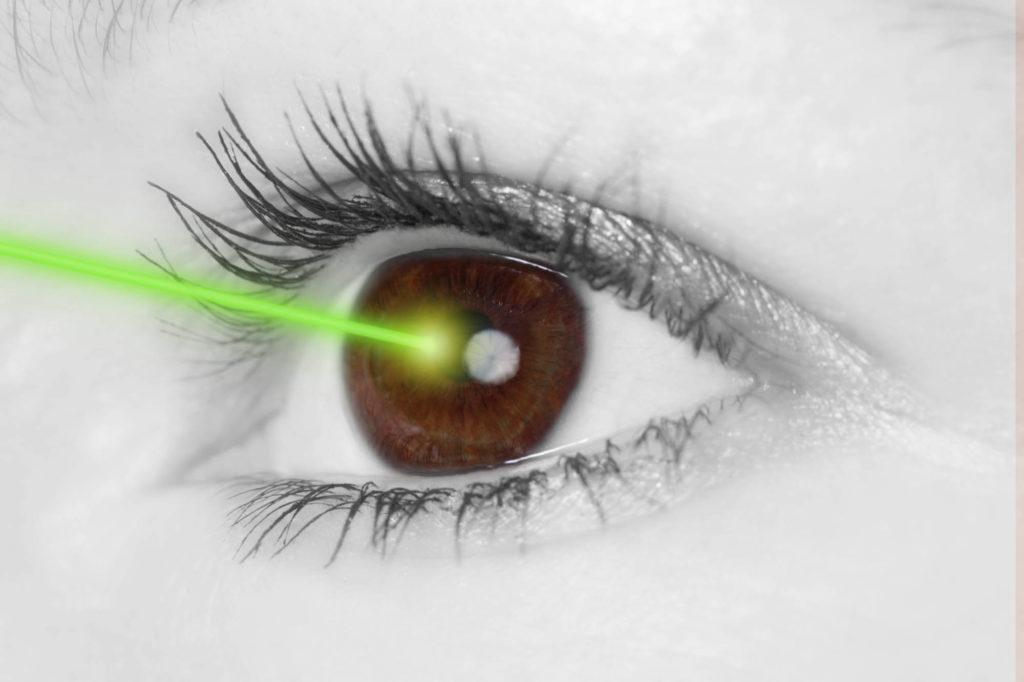 opération laser des yeux à Bruxelles